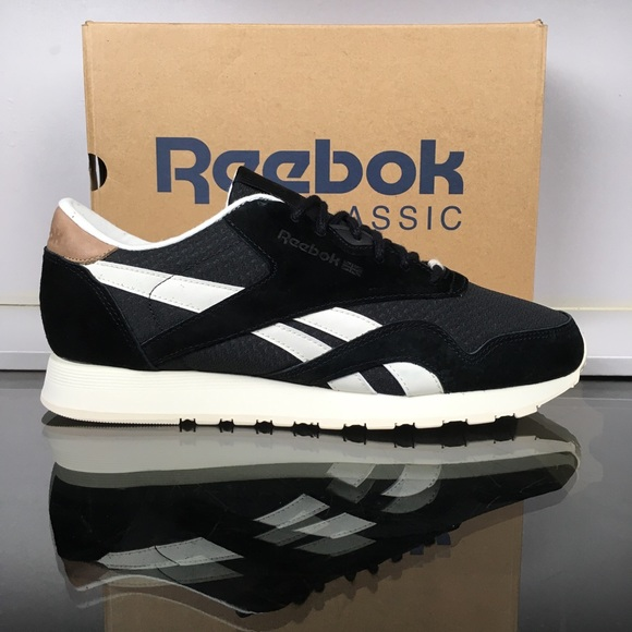 1e921bb2d60 Reebok Black Chalk CL Nylon P